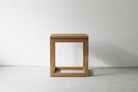 02_side_table
